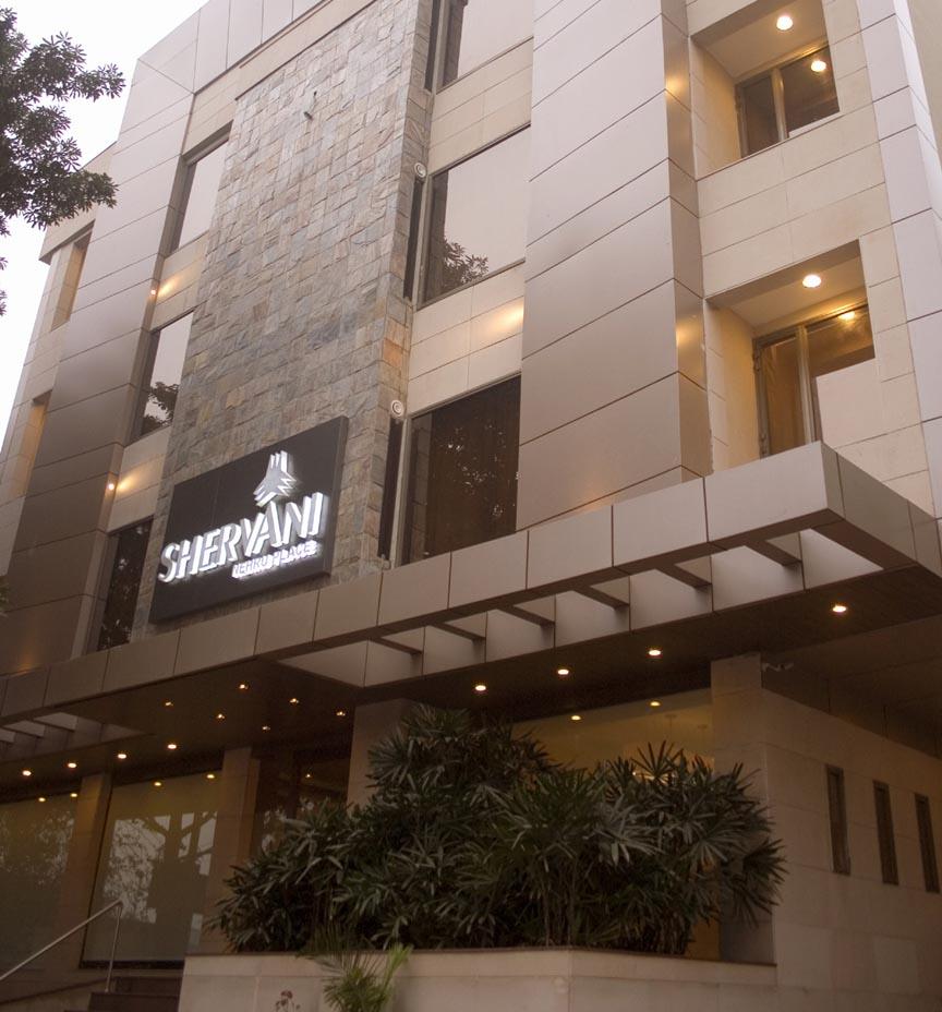Shervani hotel delhi india for Decor international delhi